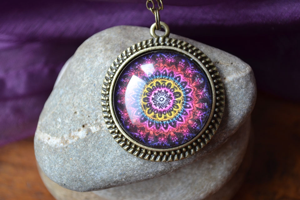 """""""Live with passion"""" mandala necklace"""